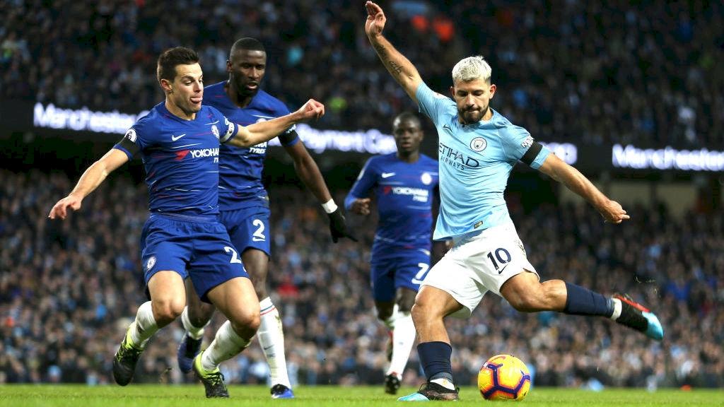 Duel din timpul meciului Chelsea - Manchester City